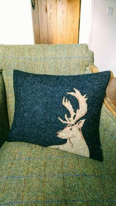 Harris Tweed Fabric, Embroidered Cushions, Cushion Covers, How To Draw Hands, Throw Pillows, Wool, Sewing, Crafts, Hand Drawn