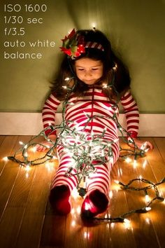 Christmas Family Picture Pose Ideas | Photos of kids with lights - how to