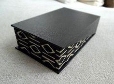 """tut:""""la boîte au couvercle incliné"""" http://www.cartonnageetcompagnie.com/article-une-boite-au-couvercle-incline-47095346.html Fichier hébergé par Archive-Host.com"""