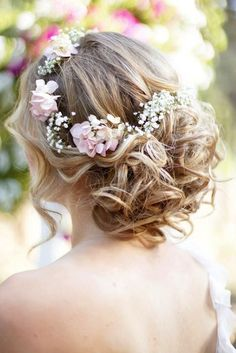 See more ideas about Flower crown hairstyle, Wedding hairstyles for medium hair and Bohemian wedding hair. Bohemian Wedding Hair, Wedding Hair Flowers, Wedding Hair And Makeup, Flowers In Hair, Hair Makeup, Fresh Flowers, Flower Hair, Pink Flowers, Bride Flowers