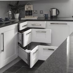 I HATE lazy Susan's, this is such a better idea for accessibility! Small Kitchen Organizing Ideas - Corner Drawers - Click Pic for 42 DIY Kitchen Organization Ideas & Tips Diy Kitchen Storage, Kitchen Redo, Kitchen Pantry, New Kitchen, Kitchen Drawers, Cabinet Storage, Kitchen Organization, Organization Ideas, Cabinet Drawers
