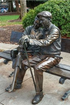estatua de Decatur realizada mediante fundición