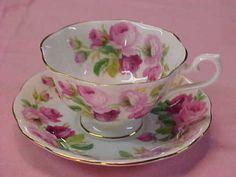 Vintage-Royal-Albert-Princess-Anne-Big-Pink-Roses-Bone-China-Tea-Cup-Saucer