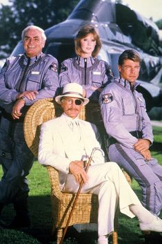 Airwolf starred Jan-Michael Vincent and Ernest Borgnine. Pin this and click the link for more Airwolf photos and info on the show. 1980s Tv Shows, Ernest Borgnine, Mejores Series Tv, Vintage Television, Old Shows, Great Tv Shows, Vintage Tv, Music Tv, Classic Tv