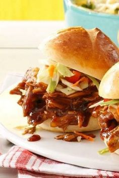 Need chicken sandwich recipes? Get easy to make chicken sandwiches for your next holiday party or celebration. Taste of Home has chicken sandwich recipes including grilled chicken and chicken salad sandwiches. Crock Pot Slow Cooker, Slow Cooker Recipes, Cooking Recipes, Crockpot Recipes, Grilled Recipes, Sausage Recipes, Chicken Sliders, Barbecue Chicken, Barbecue Sauce