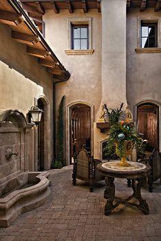 Tuscan design – Mediterranean Home Decor Spanish Style Homes, Spanish House, Spanish Colonial, Tuscan Design, Tuscan Style, Outdoor Rooms, Outdoor Living, Indoor Outdoor, Style Hacienda