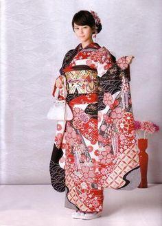 """华丽和服背后的""""秘密""""-日本风情"""