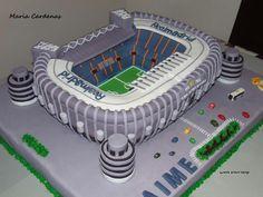 POR FAVOR yo quiero esta torta en mi próximo cumpleaños.