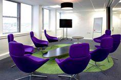 Fan van paars? Deze bedrijven hebben het in hun werkomgeving verwerkt! http://www.kantoorruimtevinden.nl/blog/bedrijven-die-de-kleur-paars-hun-werkplek-verwerkt-hebben/