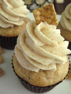 Cinnamon Toast Crunch Cupcake...one of my childhood favorite cereals in a cupcake!