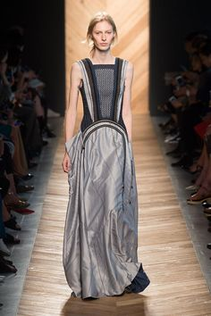 Bottega Veneta joined the ranks of fellow Italian designers creating nature-centric spring collections for the woman who loves luxury. #MFW