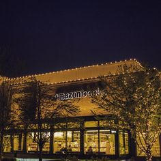 A Trip Through Amazon's First Physical Store - The New York Times