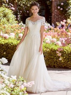 Verngo A-line Wedding Dress Lace Tulle Wedding Gowns V-neckline and Illusion Back Bride Dress Simple Wedding Dress 2019 Wedding Dresses Under 100, Wedding Dresses Photos, Designer Wedding Dresses, Bridal Dresses, Event Dresses, Tulle Wedding Gown, Maggie Sottero Wedding Dresses, Backless Wedding, Mermaid Wedding