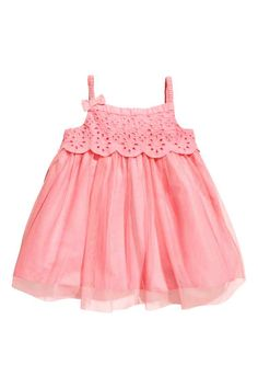 Sleeveless dress in soft cotton broderie anglaise with buttons down the back and a flared skirt. Tulle Dress, Pink Dress, Flower Girl Dresses, Pink Kids, Flare Skirt, Cotton Dresses, Rose, Fashion Online, Kids Fashion