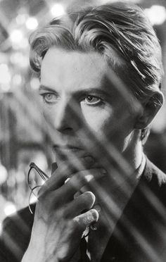 David Bowie on the set of The Man Who Fell To Earth - - David James's behind-the-scenes photos from Nicolas Roeg's 1976 film. Michael Jackson, Beatles, Music Poster, The Thin White Duke, Tribute, Major Tom, David James, Iggy Pop, Scene Photo