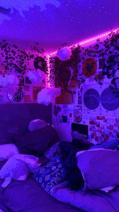 Indie Room Decor, Cute Bedroom Decor, Bedroom Decor For Teen Girls, Room Design Bedroom, Pretty Bedroom, Room Ideas Bedroom, Teen Girl Bedrooms, Bedroom Styles, Neon Room Decor