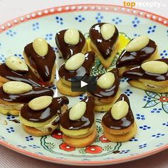 "This is ""Kofilové slzičky"" by Toprecepty on Vimeo, the home for high quality videos and the people who love them. Christmas Candy, Christmas Baking, Christmas Cookies, Small Desserts, Czech Recipes, Recipe Box, Cooking Tips, Cookie Recipes, Sweet Tooth"