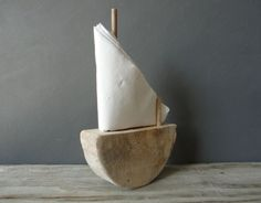 Driftwood Sailboat Napkin Holder Ecofriendly by OceanSwept Diy Craft Projects, Fun Crafts, Rustic Napkin Holders, Condiment Caddy, Sailboat Interior, Driftwood, Diy Furniture, Napkins, Cool Stuff