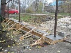 Как построить забор из профнастила с кирпичными столбами - Потолок-мастерПотолок-мастер