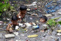 Texas Tim Potter: Children Living in Poverty Philippines Kids Around The World, We Are The World, People Of The World, Poor Children, Save The Children, World Poverty, Bless The Child, Powerful Images, Slums