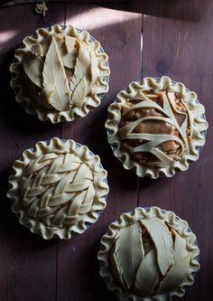 Inspirational Pie Crust Designs-And Great Pie Recipes! Pie Recipes, Dessert Recipes, Cooking Recipes, Baking Desserts, Pastel Art, Creative Pie Crust, Pie Crust Designs, Pies Art, Sweet Pie