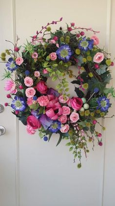 51 DIY Spring Flower Wreath For Decoration - Page 35 of 51 - Chic Hostess Spring Door Wreaths, Easter Wreaths, Summer Wreath, Holiday Wreaths, Corona Floral, Fleurs Diy, Deco Floral, Funeral Flowers, Flower Garlands