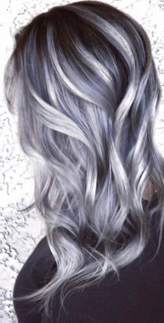 18 Ideas For Hair Ombre Gray Lilacs - Hair - Lilac Hair Grey Hair Wig, Short Grey Hair, Brown Ombre Hair, Silver Grey Hair, Ombré Hair, Lilac Hair, Ombre Hair Color, Cool Hair Color, Short Hair Styles