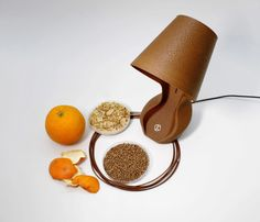 Ohmie is a 3D-printed lamp made from orange peels Impression 3d, Orange Lamps, Material Research, Tall Lamps, Article Design, How To Make Handbags, Orange Peel, Design Thinking, Sustainable Design
