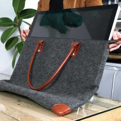 The Lavolta Carrying Case Bag for Apple iMac – Make your Workstation Portable! http://www.wickedgadgetry.com/2016/08/30/lavolta-carrying-case-bag-apple-imac/ #lavolta #carryingcasebag #carryingcase #bag #computerbag #computercase #computercarryingbag