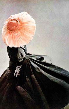 Christian Dior, love retro look Vintage Dior, Moda Vintage, Vintage Couture, Vintage Glamour, Vintage Beauty, Vintage Dresses, Vintage Outfits, Vintage Hats, Christian Dior Vintage