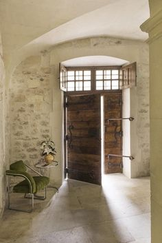 New Hotel De Tourrel: a Palace in Provence - News & Events Mediterranean Homes, Brick And Stone, Stone Houses, Rustic Elegance, Interior Walls, Interiores Design, Modern Farmhouse, Interior Architecture, House Design