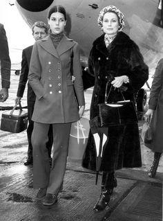 1971 Grace Kelly era capaz de eclipsar a su hija con su particular estilo lleno de detalles sofisticados.