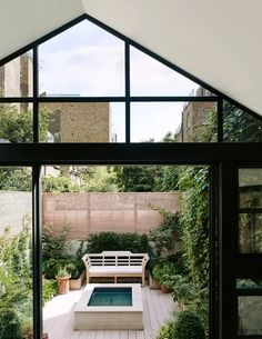 Emily Todhunter London house | House & Garden Country Style Homes, Cottage Style, Outdoor Spaces, Outdoor Living, Outdoor Decor, Kensington House, Townhouse Garden, London Garden, London House