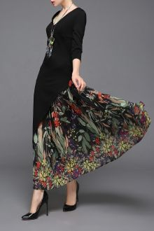 Shop ziyi black v neck print chiffon maxi dress here, find your maxi dresses at dezzal, huge selection and best quality. Estilo Fashion, Hijab Fashion, Fashion Outfits, Womens Fashion, Chiffon Maxi Dress, Floral Tunic, Fall Dresses, Designer Dresses, Creations