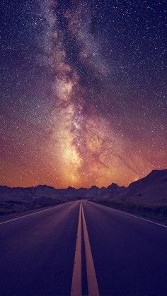 Starry Sky On The Road iPhone 6 Wallpaper Beautiful Sky, Beautiful Landscapes, Beautiful Places, Simply Beautiful, Iphone 6 Wallpaper, Phone Backgrounds, Space Background Iphone, Magic Background, Amazing Backgrounds
