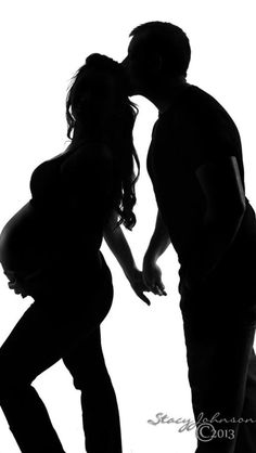 Maternity silhouette | Maternity Photo Ideas | Pinterest