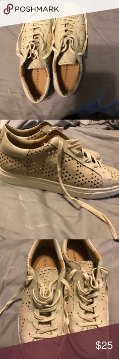 BRAND NEW! NEVER WORN! LUCKY 🍀 BRAND SNEAKERS NWOT LUCKY 🍀 BRAND TENNIS SHOES. (Leather upper/Man made lining. ) Lucky Brand Shoes Sneakers