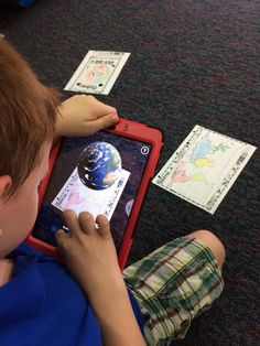 Exploring political and physical maps and globes with augmented reality @quivervision