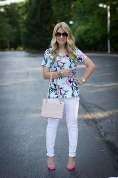 Tropical Print Top & White Jeans - Mix & Match Fashion