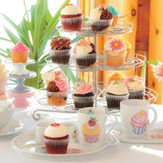 Cupcake and Dessert accessories Linen Chest 12 Cupcakes, Cupcake Cookies, Dessert Stand, Diy Wedding Decorations, Yummy Cakes, Just Desserts, Party Time, Cake Decorating, Day
