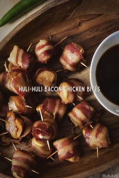 Huli Huli Bacon Chicken Bites – 100 Days of Summer Slow Cooker Recipes. An amazing definition of bite sized delicious on a a tiny stick. These make the perfect party finger food. Easy To Make Appetizers, Yummy Appetizers, Appetizers For Party, Appetizer Recipes, Dip Recipes, Party Snacks, Turkey Recipes, Paleo Recipes, Yummy Recipes