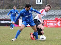 #Kevin #Stephan im Zweikampf um den Ball mit dem Gegenspieler von #FCOberlausitzNeugersdorf