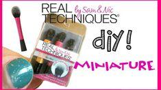 DIY miniature makeup brushes