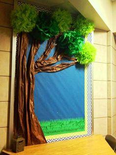 Door Decorations Classroom Tree Ideas For 2019 - New Deko Sites Bulletin Board Tree, Classroom Bulletin Boards, Classroom Door, Classroom Displays, Preschool Classroom, In Kindergarten, Jungle Bulletin Boards, Paper Tree Classroom, Classroom Setting