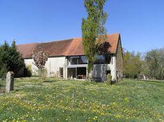 Bekijk deze fantastische advertentie op Airbnb: Maison-atelier (Vallée Noire) - Huizen te Huur in Nohant-Vic