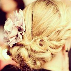 heeyiloveyouuu:    #bun #hairpost #hair #hairstyle #braid #flowers #perfecthair #blonde #curly #styles ❤ (Taken with Instagram)