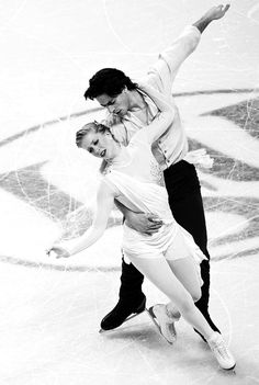 kaitlyn weaver and andrew poje  plainjane2014: Oh my.