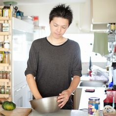 Today we chat to Japan based vegan chef and instructor Ryoya Takashima from PeacefulCuisine.com. Ryoya also has a very popular YouTube channel where he demonstrates his amazing vegan recipes. Ryoya...