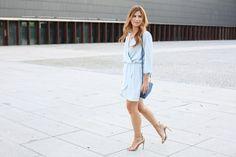 A TRENDY LIFE: BLUE DRESS & BLUE JEWELS