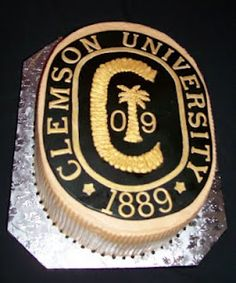 Beautiful cake for a graduation. I love this cake my son graduated in 2009 from Clemson....